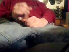 Wanking In Jeans And Cumming