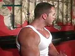 Val - The Hottest Muscle Bod