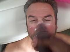 Cum Pig Gets Facial