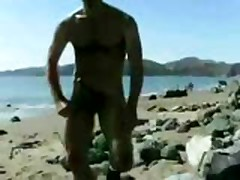 Exhibcionista En La Playa