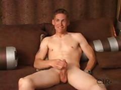 Marine Shows Off