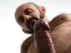 Hairy Boxer Jacks Off