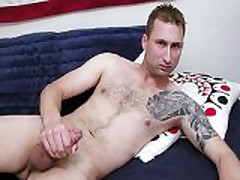 HUNG MILITARY HOTTIE