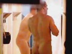 Shower Gays