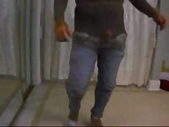 Really Strange Video Of Amateur Boyfriend Dancing Alone