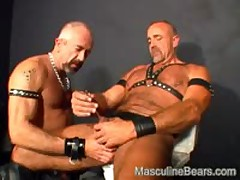 Kinky Leater Bear Inserting A Long Steel Rod Into His Dick