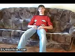 Emak Pulling Off His Pleasure Twinky Schlong 2 By EUtwinkin