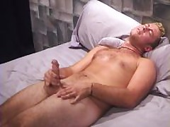 Muscle Blond Jacking His Meat