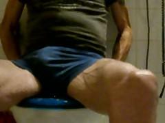 Piss On Toilette