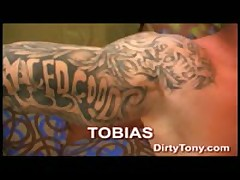 Tattooed Muscular Stud Works His Cock