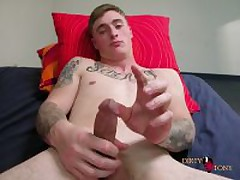 Str8 Tattooed Muscle Stud Beating His...