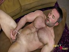 Str8 Hairy Mucsle Stud Taste His Own...