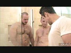 2 Hot To Bear