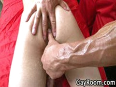 GayRoom Aroused During Massage