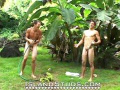 2 Surfers Jerk Together