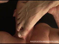 Malefootdomination1