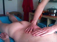Erotik Massage - Rueckseite - Massage Jungs - Masseur Benny