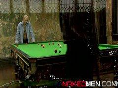 Snookered (Uknakedmen)
