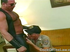 Cop Makes A Bear Call