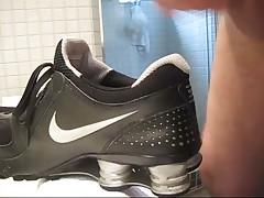 Sperma Jute Dans Nike