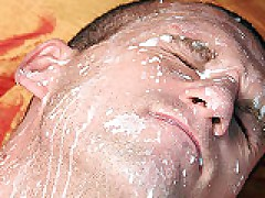 Str8 Guy Gets Facial From Gay Ass