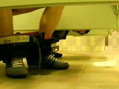 Restroom Spycam Fun At The Mall 1
