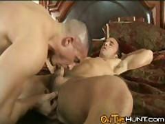 Bodybuilder Fingering Hole While Sucking Cock