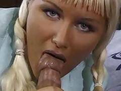 Возбужденная женщина порно фото