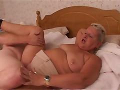 porno-video-starushek-v-soku